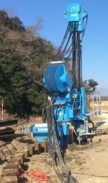 油圧式杭圧入引抜機 硬質地盤型対応機